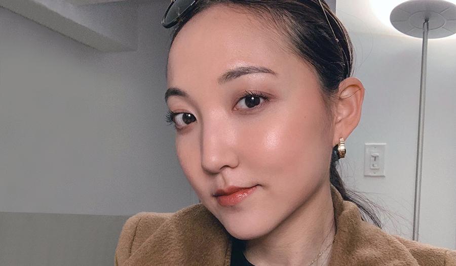 ava lee shows off her no makeup makeup look