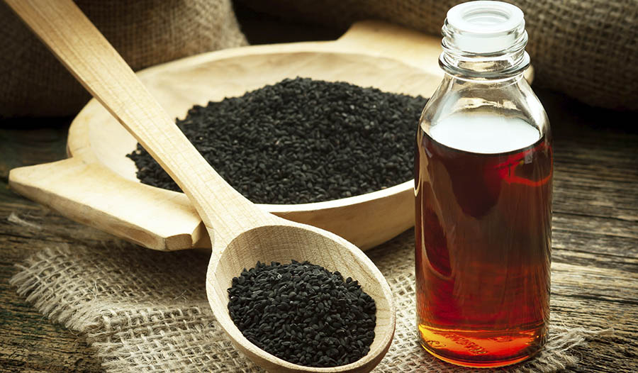 5 Reasons to Try Black Seed Oil