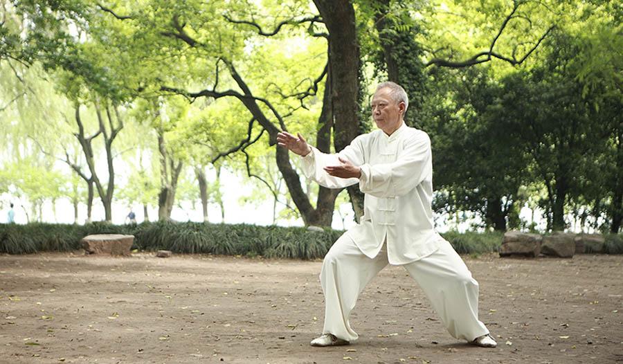 8 Health Benefits of Tai Chi