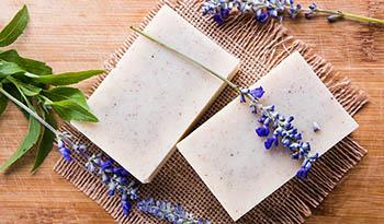 Кусковое мыло или гель для душа - почему кусковое мыло может быть лучше
