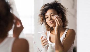 Лучшие успокаивающие продукты для чувствительной кожи