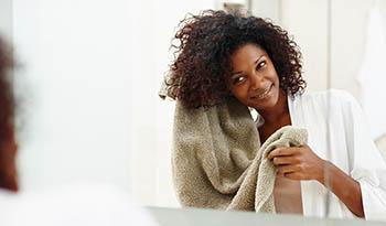 Биотин: незаменимое вещество для ухода за волосами и другие его полезные свойства