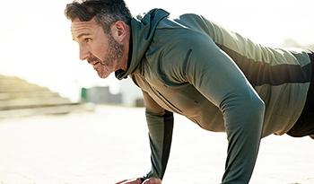 Тренер по силовой подготовке делится советами по улучшению тренировок с собственным весом