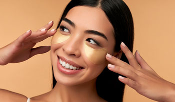 Думаете о косметологических процедурах на коже век? Сначала попробуйте это