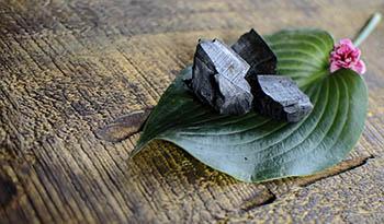 Детоксикация и забота о красоте кожи и волос при помощи активированного угля