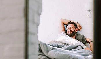 С помощью этих трех эфирных масел вы сможете наслаждаться более здоровым сном