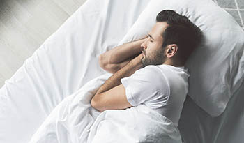 Почувствуйте себя хорошо отдохнувшим благодаря этой домашней мази для качественного сна
