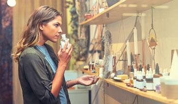 Правда ли, что ВСЕ ароматизаторы в косметике — это плохо?