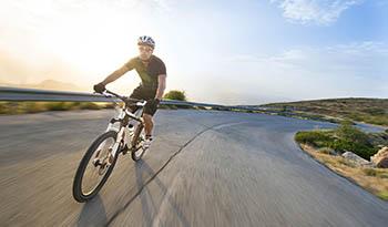 Экологичная тренировка: почему физические упражнения на открытом воздухе гораздо полезнее