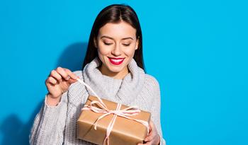 Инструкция по выбору подарка для тех, кто любит ухаживать за собой