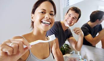 Зубная паста и ополаскиватель для полости рта собственного изготовления