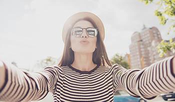 Как сохранить губы мягкими и увлажненными