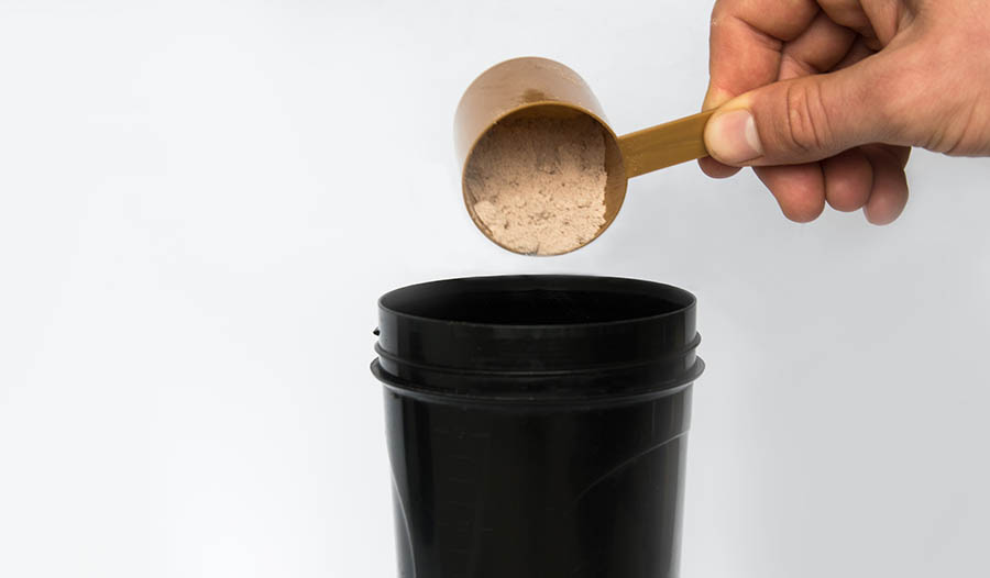 Protein Powders vs Meal Replacement Supplements: What's the Difference?