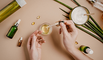 Четыре основных антиоксиданта для поддержки здорового микробиома кожи