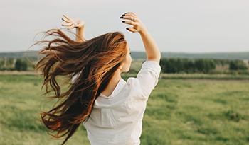 Лучшие добавки для сияния кожи, здоровья волос и прочности ногтей