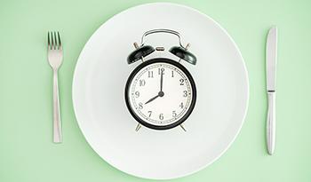 Ответы на шесть основных вопросов про интервальное голодание и детокс-диеты