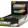 MusclePharm, Combat Crunch, со вкусом торта ко дню рождения, 12 батончиков, весом 63 г (2,22 унции) каждый